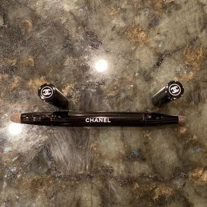 CHANEL Retractable Dual-Tip Brush - NEVER USED